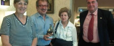 Roma, 23 AGOSTO 2011 – Il Ministro Roberto Maroni ha oggi incontrato presso il suo Ministero la Presidente della Associazione Italiana Familiari e Vittime della Strada, accompagnata dalla segretaria nazionale...
